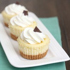 OMGOSH! Next time I'm feeling a little wild and decide it's ok to eat something unhealthy, I am totally making these!