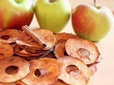 Jablkové čipsy s medom a škoricou