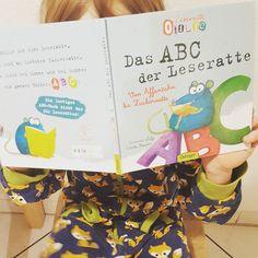 Wir lesen gerade #leseratteotilie und stellen euch das Buch zum Buchstaben lernen heute auf dem Blog genauer vor. Gewinnen könnt ihr im Übrigen auch ein ganzes Otilie Set aus der @verlagsgruppe_oetinger. Viel Erfolg  #buchblogger #familienblog #mamablog #papablog #elternblog #Bookstagram #kinderbuch