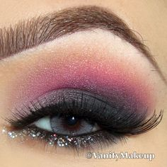 Pink & Gray Shadow ~ Glitter Liner ♥•*´¨`*•.¸*•*´¨`