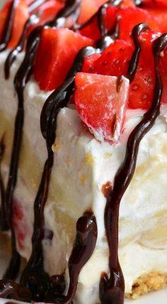 (No Bake) Banana Split Layered Cheesecake Dessert
