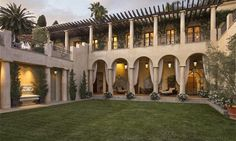 Peabody estate (© Sotheby's International Realty)  http://realestate.msn.com/most-beautiful-us-mansions-for-sale-now#21