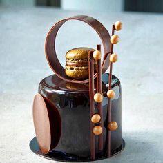 Small Desserts, Gourmet Desserts, Fancy Desserts, Plated Desserts, Praline Cake, Hazelnut Praline, Patisserie Fine, Dessert Mousse, Cream Brulee