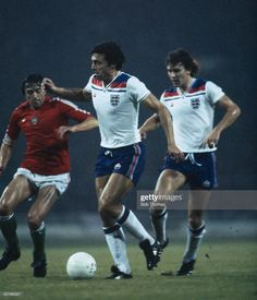 Retro Football, Football Art, Football Jerseys, England Football Players, England National Football Team, Trevor Brooking, Bryan Robson, World Cup Qualifiers, England International