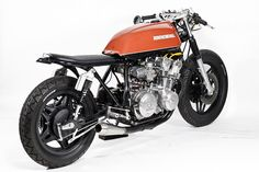 Honda Cb 750 The Brushed By. View all pictures of Honda Cb 750 The Brushed By and photos on MotorcyclePictures Gallery. Cb750 Cafe Racer, Cafe Racer Bikes, Scrambler, Moto Cafe, Cafe Bike, Honda Cb750, Honda Motorcycles, Rockers, Cafe Racing