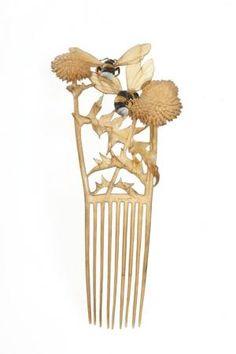 #Comb with bees. Lucien GaillardPeigne, 1904
