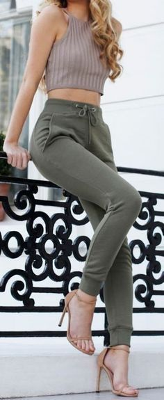 fall outfit ideas / knit halter top + olive pants