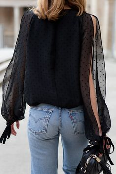 Top 22 Types of Sleeves that are Always in Vogue for Women Clothes is part of Fashion - Have you ever thought how stylishly sleeves can transform the overall look of an outfit Sleeves are the most overlooked part of an outfit Look Fashion, Fashion Outfits, Womens Fashion, Fashion Trends, Fashion Bloggers, Latest Fashion, Looks Casual Chic, Mode Jeans, Women's Jeans