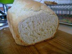 Do pekárny nalijeme mléko, přidáme mouky, máslo, solamyl, sůl a zasypeme droždím. Pekárnu nastavíme na program rychlý. Toast, Program, Bread, Food, Meal, Essen, Hoods, Breads, Meals