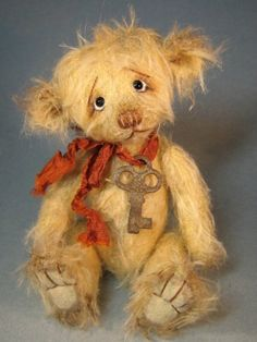 ~ by Edie Barlishen; He has a vintage look, made of sparse mohair, fully jointed (loosely), and wearing a tattered vintage rayon ribbon with an old key. Old Teddy Bears, My Teddy Bear, Boyds Bears, 3d Figures, Art Textile, Love Bear, Bear Doll, Bear Art, Cute Bears
