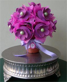 Bouquet de Cupcakes..like the violet color..very elegant!