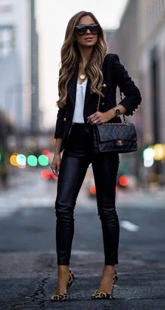 59 Stylish Women Work Outfit for Autumn 2019 Summer Work Outfits, Casual Work Outfits, Classy Outfits, Stylish Outfits, Work Attire, Office Outfits, Outfit Work, Casual Blazer, White Blazer Outfits