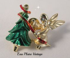 Christmas Angel Tac Lapel Pin Goldtone Matte by EauPleineVintage