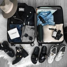 Packing List For Travel, Travel Bags, Packing Lists, Budget Travel, Shopping Travel, Packing A Suitcase, Smart Packing, Minimal Travel, Travel Essentials For Women