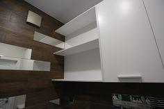 Les toilettes. Toilet. WC. Санузел. Designer Darya Belaya. Конвейерный ремонт. Шкаф белый.