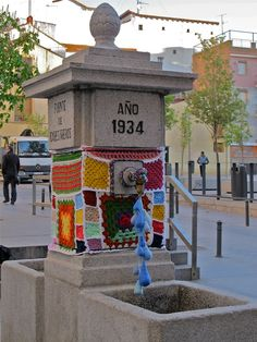 urban knitting in Lavapies - Madrid