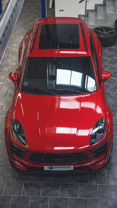 Porsche SUV comes with five doors that are open to any adventure. Check out the Best Porsche SUV Photos For Him, Explore! Porsche Suv, Porsche Macan, Audi, Automobile, Kdf Wagen, Wide Body Kits, Gilles Villeneuve, Go Car, Mc Laren