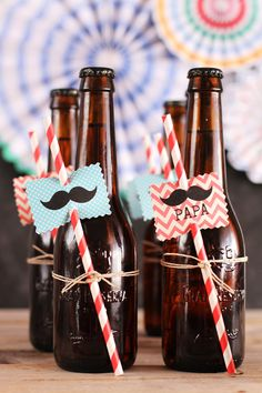 Fiesta Moustache DIY Día del Padre (¡con imprimible gratis!) - Megasilvita 60th Birthday Party, 50th Party, Man Birthday, Fathers Day Crafts, Happy Fathers Day, 12 Days Of Xmas, Father's Day Activities, Daddy Day, Ideas Para Fiestas