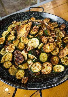 Sprouts, Vegetables, Food, Vegetarian Recipes, Essen, Vegetable Recipes, Meals, Yemek, Veggies