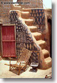 images/Africa/BurkinaFaso/Tiebele/gurunsi-stairs-b.jpg
