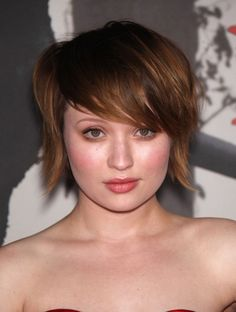 The Best Hairstyle to Complement Girl with Round Face