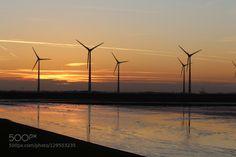 Ein goldener Herbst in Holland 7. by dirkwiemann  Abendrot Holland Sonnenuntergang Windenergie Windkraft Windmühlen Windräder dirkwiemann