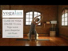 Clase de yoga de 15 mins para empezar el día con una secuencia suave de posturas, con la profesora de yoga Xuan (wwww.yogalan.com), producción de aomm.tv