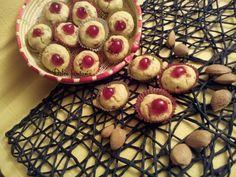 I malfatti sono dei dolcetti sardi a base di mandorle. questa ricettami è stata data da una signora anziana che li ha sempre fatti,sono una bontà. Ne mange