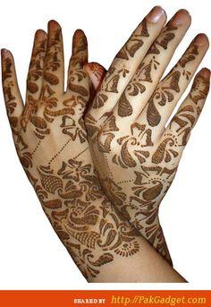 beautiful-pakistani-mehndi-design