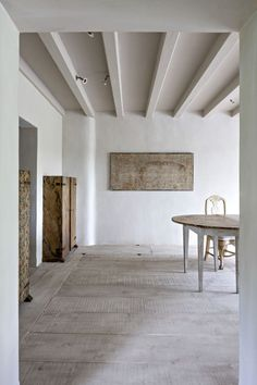 Sober minimalism and reclaimed materials