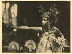 André ROOSEVELT, Balinese dancer