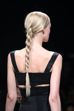Pin on Runway Hair Inspiration See all the Details photos from Donna Karan Spring/Summer 2015 Ready-To-Wear now on British Vogue Shaved Side Hairstyles, Ponytail Hairstyles, Fashion Hairstyles, Wedding Hairstyles, Hairstyles Pictures, Dreadlock Hairstyles, Hairstyles 2018, Medium Hairstyles, Up Dos