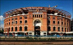 Centro Comercial Arenas de Barcelona Richard Rogers, Shopping Mall, Louvre, Mansions, House Styles, Building, Travel, Home Decor, Fashion