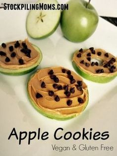 Cookies Apple Cookies are healthy and delicious which makes them the perfect vegan and gluten free snack!Apple Cookies are healthy and delicious which makes them the perfect vegan and gluten free snack! Lunch Snacks, Yummy Snacks, Yummy Food, Lunches, Camp Snacks, Rice Cake Snacks, Snacks List, Rice Cakes, Lunch Box