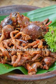 Diah Didi's Kitchen: Usus Ayam Dan Ati Ampela Bumbu Pedas Manis Diah Didi Kitchen, Indonesian Cuisine, Indonesian Recipes, Chicken Wings, Recipies, Food And Drink, Cooking Recipes, Dan, Yummy Food