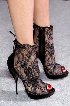 Zapatos de tacon con encaje