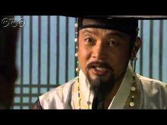 """5分でわかる「王女の男」~第8回 悲劇の始まり~""""朝鮮王朝版 ロミオ&ジュリエット""""韓国を熱狂させた超話題作。歴史に残る大事件を背景に、宿敵となった男女の切ない愛を描いた究極のラブロマンス。女性たちをとりこにした主演パク・シフの幅広い演技にも注目!うっかり見逃した、もう一度みたい・・・そんなあなたはこの5分ダイジェスト版をチェック!    第8回「悲劇の始まり」  首陽(スヤン)らはついにキム・ジョンソ暗殺を決行することに。セリョンは父、首陽がスンユも殺そうとしていることを知った。セリョンは、スンユに危険を知らせに行こうとする。しかし母に見つかり、部屋に閉じ込められる。第8回を5分ダイジェストでご紹介!  NHK BSプレミアム 毎週(日)午後9時~ (C)KBS    番組HPはこちら「http://www.nhk.or.jp/kaigai/oujo/」"""