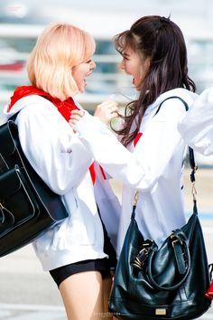 180415 ICN 출국 #트와이스 #정연 #사나 #TWICE #JEONGYEON #SANA #トゥワイス #ジョンヨン #サナ EVERYDAY HAPPY @JYPETWICEpic.twitter.com/OPYk9YgEld Bts Twice, Twice Jungyeon, Twice Sana, Nayeon, Kpop Girl Groups, Korean Girl Groups, Kpop Girls, I Love Girls, These Girls