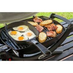 Weber Large Q Ware Frying Pan Now you really can cook everything outside on your Weber Q. The Q Ware frying pans allow you to cook omelettes and more! Weber Bbq Recipes, Grilling Recipes, Camping Grill, Camping Meals, Camping Recipes, Webber Bbq, Bbq Bar, Rotisserie Grill, Large Fries