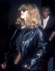 30 Candid Photographs Captured Madonna on the Streets From the Madonna Rare, Madonna Music, Lady Madonna, Madonna 80s, Bae, Madonna Photos, Bleach Blonde Hair, Youth Culture, Material Girls