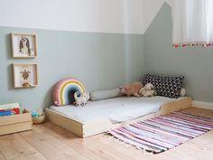 Curious and Catcat: Ein Holzrahmen für's Kinderbett Big Girl Rooms, Boy Room, Kids Room, Baby Bedroom, Girls Bedroom, Diy Montessori, Childrens Beds, Kid Beds, Cot