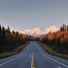 Instagrammer classetouriste reed door Alaska met een huurauto van Sunny Cars. Deel ook je roadtrip plezier op social media met de hashtag #meteenhuurautoziejemeer
