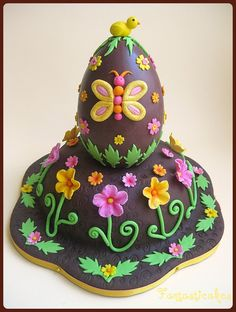 Easter #Cake Cake and Egg! Super! We love this! :-) #GreatCakeDecorating