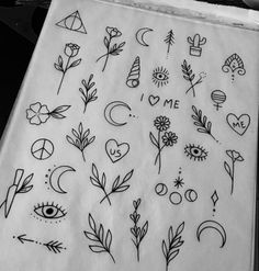 atemberaubende, kleine Tattoos: Inspiration & Ideen - verschiedene Tattoo-Symbole Exactly what pre-inked postage stamps? Mini Tattoos, Little Tattoos, Trendy Tattoos, Cute Tattoos, New Tattoos, Body Art Tattoos, Tattoos For Women, Tatoos, Tattoo Drawings