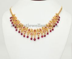 Jewellery Designs: Drops Pachi Necklace