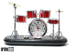 I used to have this Drumset Alarm Clock,red silver colors, but it was so loud.I think it died from pillow firing squad. Set Alarm Clock, Alarm Clocks, Drummer Gifts, Gifts For Drummers, Drummer Boy, Drums Girl, Gretsch Drums, Music Gifts, Drum Kits