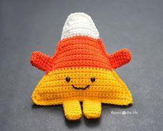 Download Cuddly Candy Corn Amigurumi Pattern (FREE)