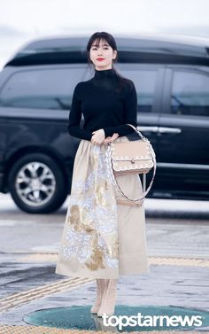 Turtle Neck Top Fashion of Miss A Suzy Suzy Bae Fashion, Fashion Idol, Kpop Fashion, Asian Fashion, Modest Fashion, Fashion Outfits, Kpop Outfits, Korean Outfits, Dress Outfits