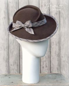 Women Felt Tilt Hat 1930's Vintage Style by GreenTrunkDesigns