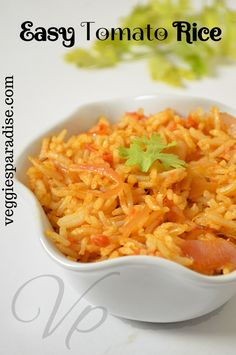 This is a simple and delicious rice with the tangy taste of the tomatoes and the crunchiness of the peanuts in every bite. Easy Tomato Recipes, Tomato Rice, Lunch Box Recipes, Recipe 30, Rabbit Food, Recipe Please, Kid Friendly Meals, Peanuts, Kids Meals